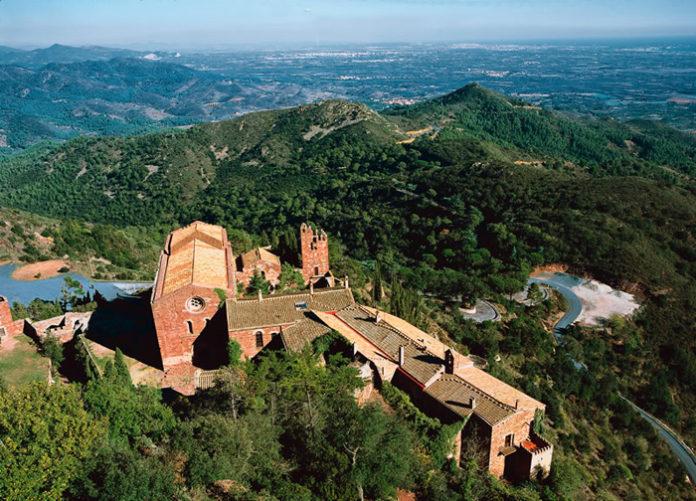 monestir i l'entorn d'Escornalbou