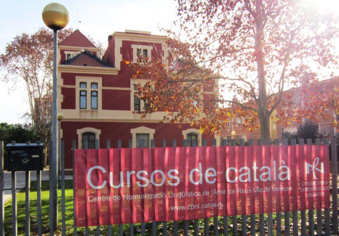 El Centre de Normalització Lingüística comença dimarts les inscripcions per als cursos en línia i als presencials
