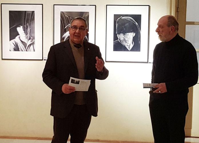 El fotògraf Tony L. Blom mostra al Palau Bofarull la seva Antologia en blanc i negre