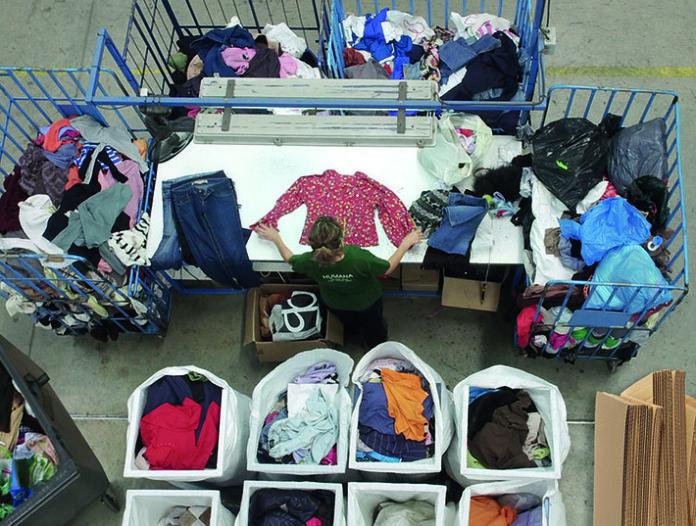 Humana recupera 191 tones de roba usada a Reus amb una finalitat social i ambiental