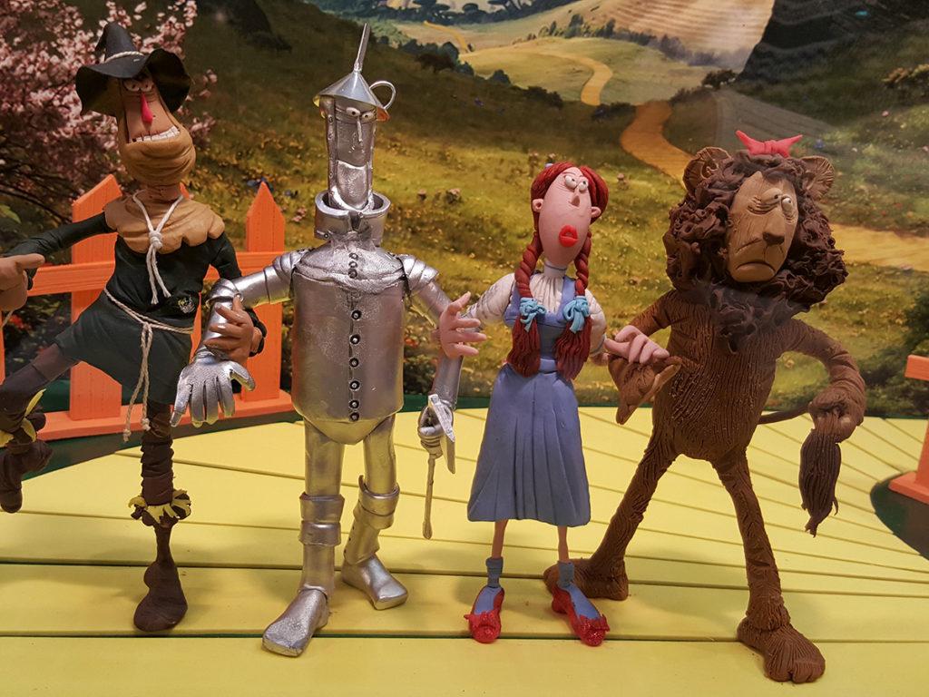 Els personatges de Màgic d'Oz al pati de la Diputació de Tarragona