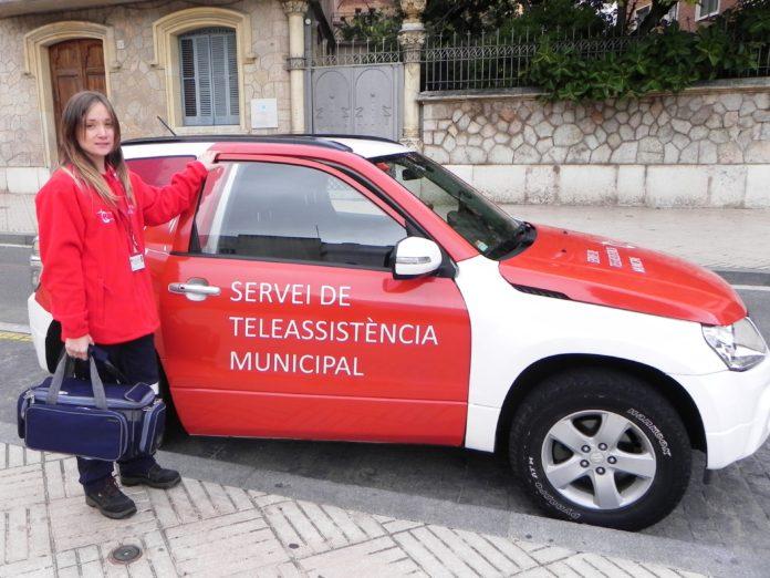 L'Ajuntament licita el servei de teleassistència, que arribarà a més usuaris i intensificarà l'atenció a les persones de més edat