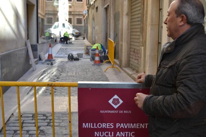 L'Ajuntament inicia els treballs de reparació del paviment dels carrers del nucli antic