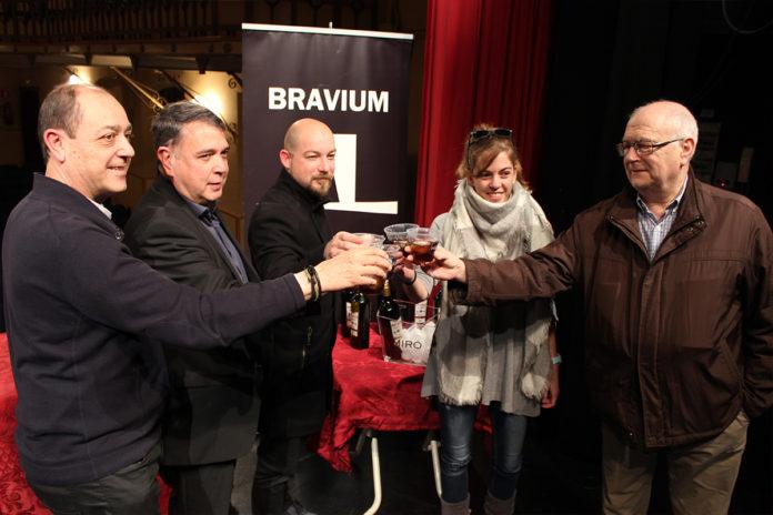 Vermuts Miró reforça la seva aposta per la cultura amb un conveni de col·laboració anual amb el Bravium Teatre
