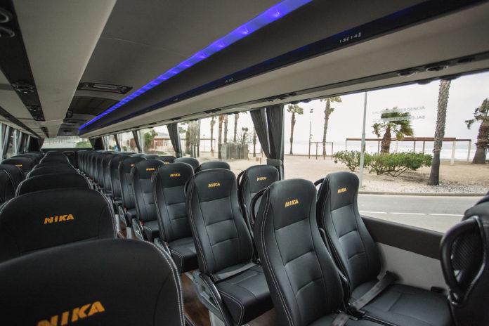 L'autobús escolar torna a parar a la plaça de Sant Antoni de Masies Catalanes a l'Albiol