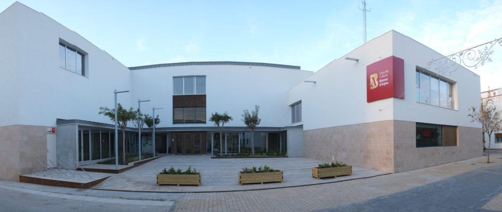 Casa Cultura Blanca Anjou