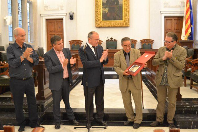 Reconeixement a Antoni Zaragoza com a cronista de la ciutat