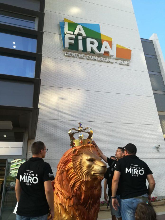 El Lleó de Reus visita La Fira Centre Comercial