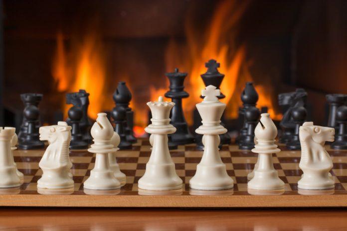 Partides d'escacs al voltant de Mas Anglès per donar a conèixer aquest equipament municipal a l'alumnat del barri Immaculada