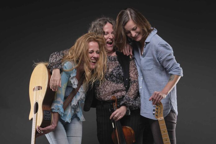 Tarragona reprèn l'activitat de concerts amb l'actuació de Ellas Music Band a la Casa del Guarda del Pont del Diable