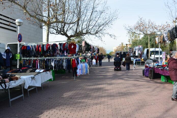 El mercadet de venda ambulant de Salou reobre les seves parades