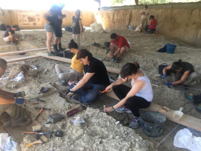 Estudiants de la UOC i de la URV potencien la presència de jaciments prehistòrics a la Viquipèdia elaborant noves entrades