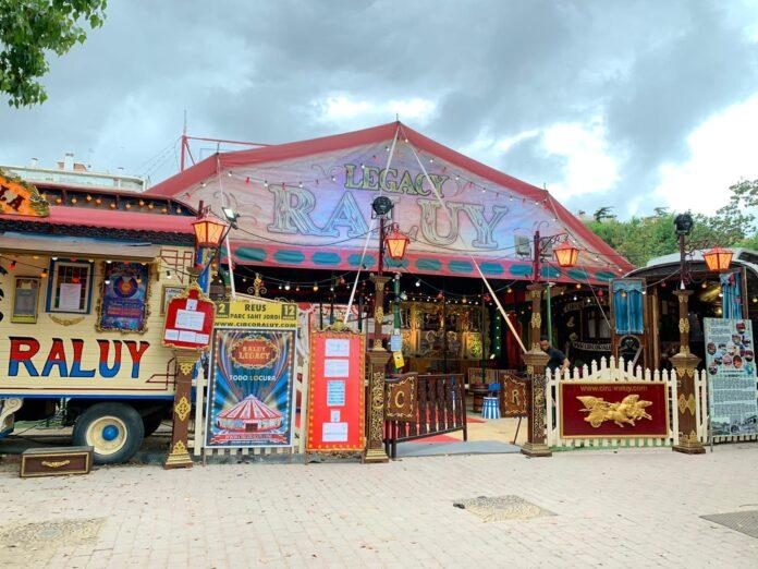 Nit màgica per 350 persones de les associacions de veïns de la ciutat amb el circ Raluy