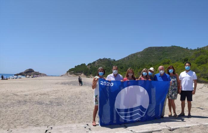 La Bandera Blava oneja ja a tres platges deVandellòs i l'Hospitalet de l'Infant