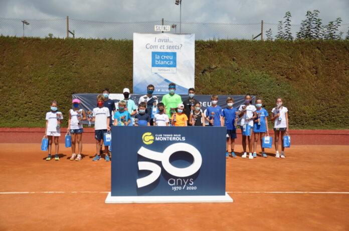 """""""Match point"""" del trofeu juvenil de tennis La Creu Blanca del Monterols"""