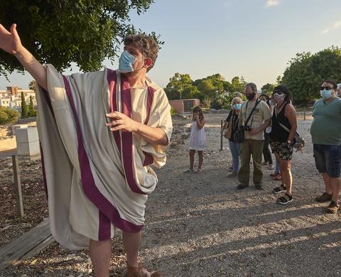 Caius i Faustina us conviden a la vil·la
