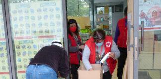 Creu Roja Salou atén les famílies vulnerables, amb el suport de l'Ajuntament, repartint 6 tones d'aliments