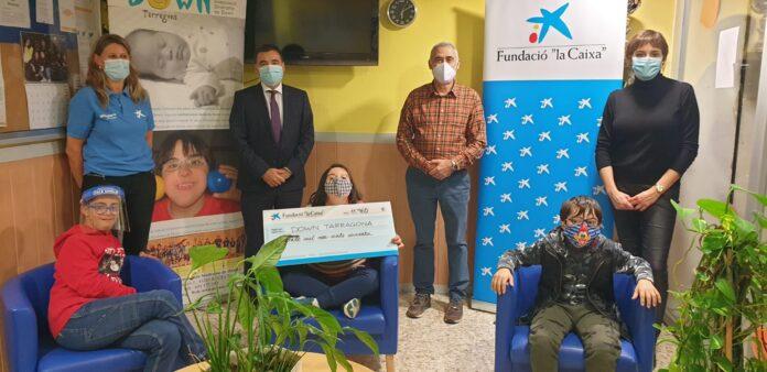 """Fundació """"la Caixa"""" i CaixaBank lliuren la recaptació de la primera Setmana Social Digital a l'Associació Down Tarragona"""