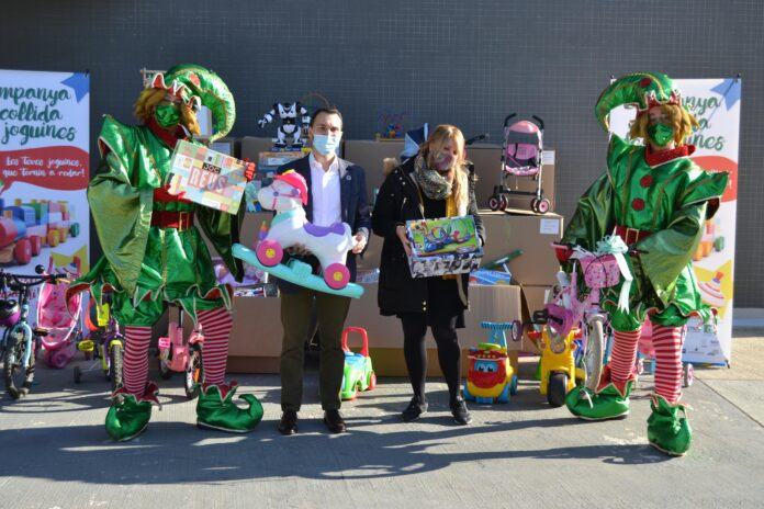 Recollits 2.000 quilos de joguines solidàries que s'han lliurat a Càritas