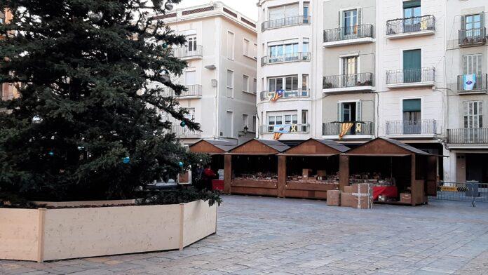 La plaça del Mercadal acull una nova edició del Mercat de Nadal