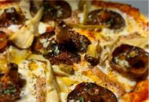 Pizza de rovellons amb foie
