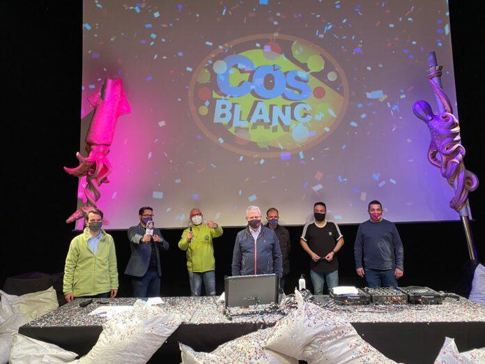 Ahir al vespre es va viure una sessió virtual especial: el 'Cós Blanc in live', amb imatges d'altres edicions i música en directe del DJ Moncho.