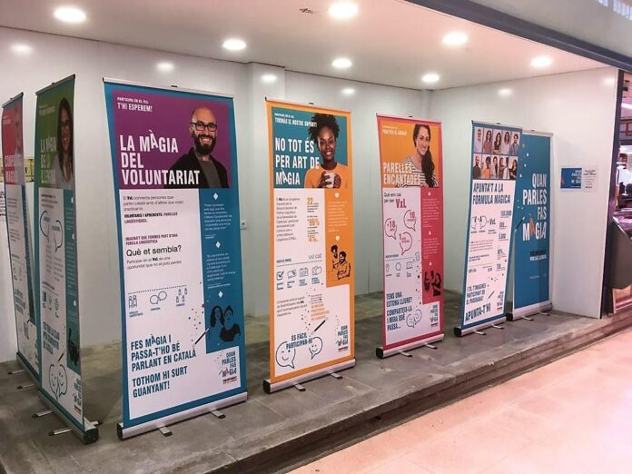 Els establiments del Mercat Central i del Mercat del Carrilet de Reus renoven la col·laboració amb el Voluntariat per la llengua