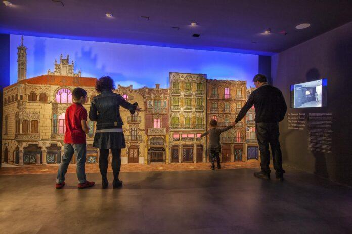Tornen les visites familiars al Gaudí Centre i la ruta del Modernisme