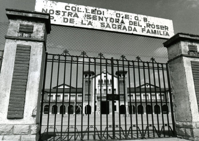 D'ermita a escola, per Àlex Cervelló Salvadó