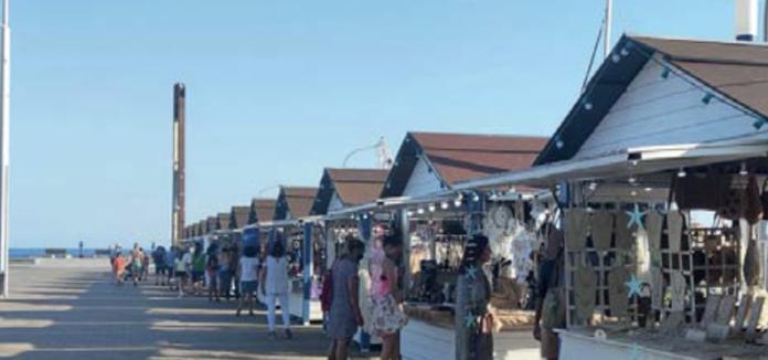 El Mercadet de l'Espigó de Salou es pot visitar cada dia, des de les 19h fins a mitjanit; i restarà obert fins el 15 de setembre