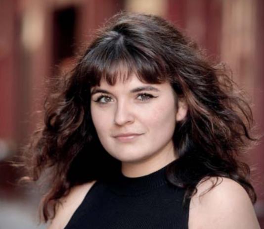 Paula Fitzz Cantant i Compositora